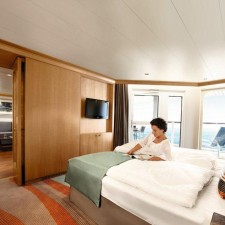 tui-cruises_mein-schiff_suite_schlafraum