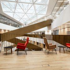 Aalto-yliopisto Kauppakorkeakoulu, Espoo. © Rebecca Watson. Modeo.